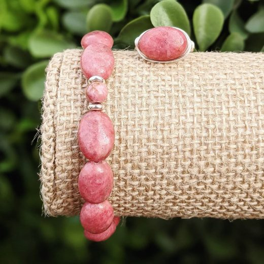 Rhodonite Ovals Bracelet With Wire-Wrapped Ring